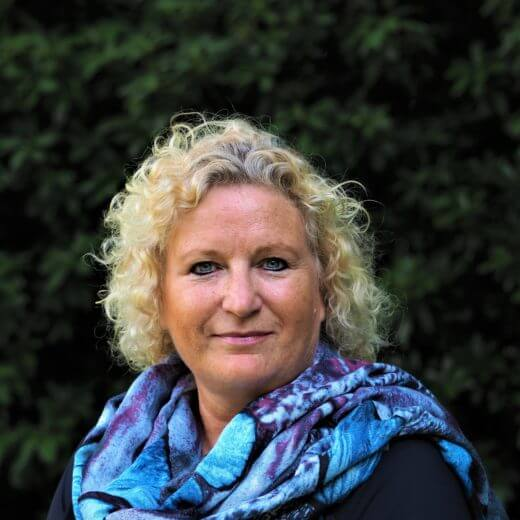 Uitvaartverzorger 's-Gravendeel - Sylvia Hoogendoorn