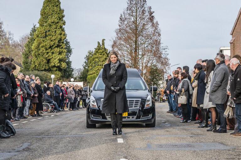 Rouwstoet begrafenis